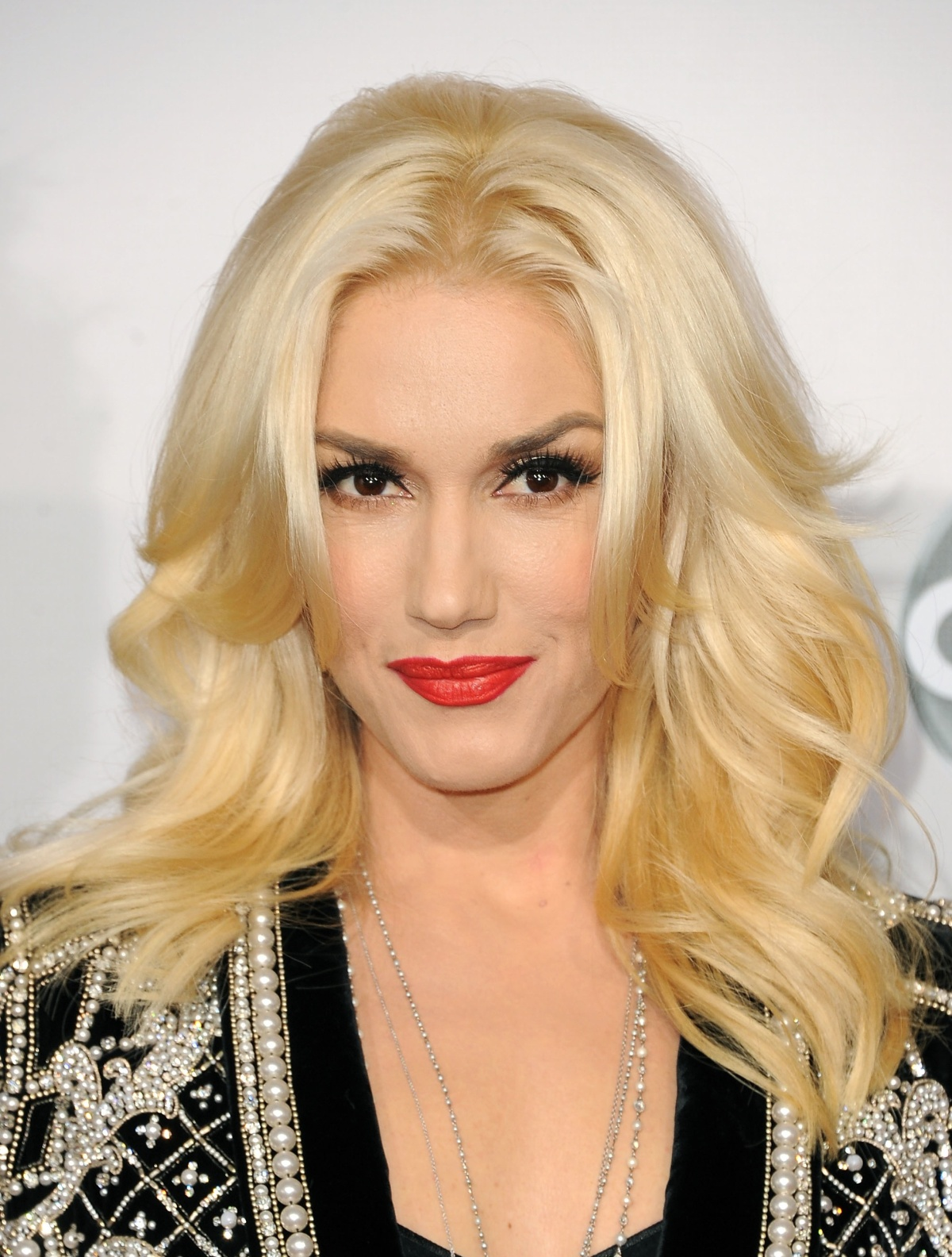 Celebrities who wear wigs wigs toronto wig stores toronto benefits pmusecretfo Choice Image