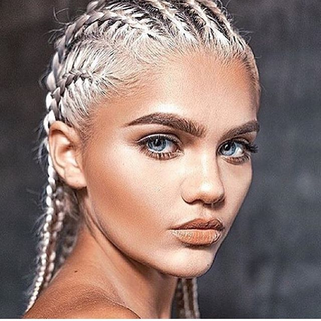 corn-rows-applying-lace-wigs-canada