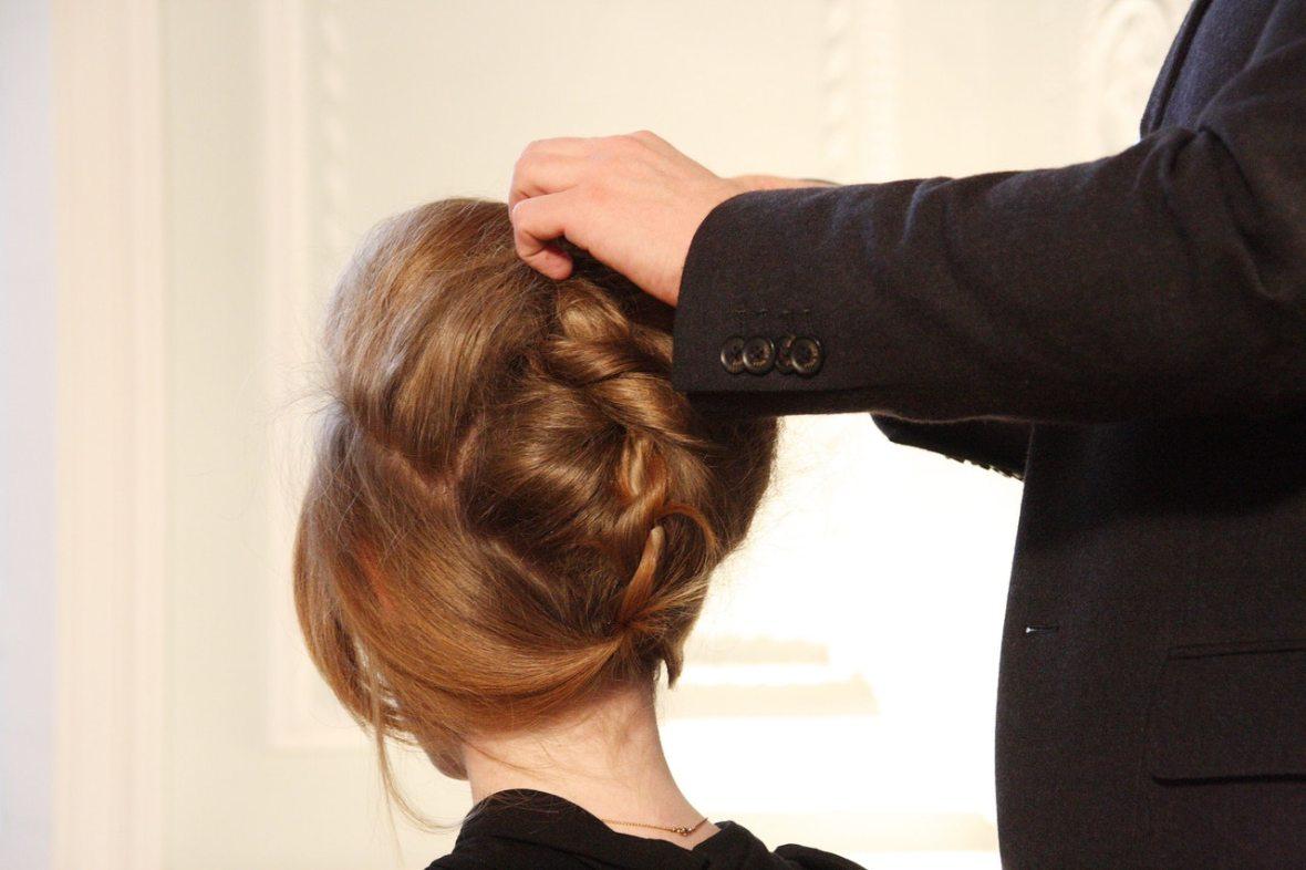 make-your-hair-wig-natural-looking